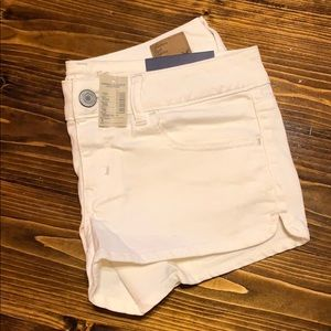 American Eagle white denim shortie short